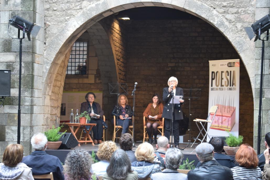 """""""Sempre he estat ocell"""", homenatge a Mary Oliver en el festival de Barcelona Poesia."""